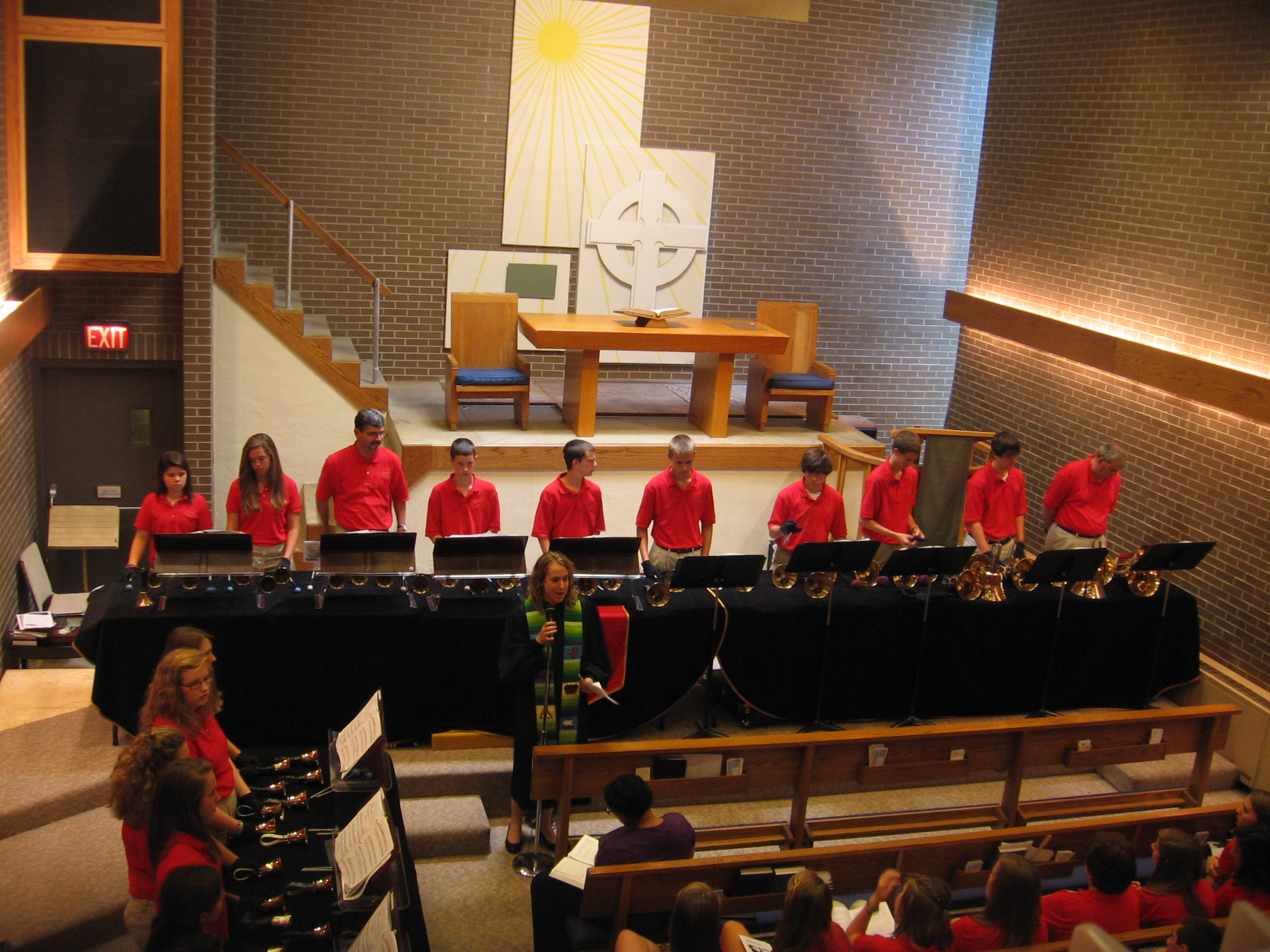 Youth Choir Comes to the Plaza