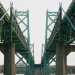 I-74_Bridge_in_between